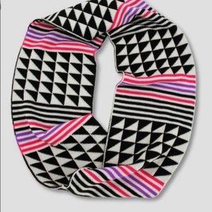 Cat & Jack girl's 3 piece set hat mittens & scarf